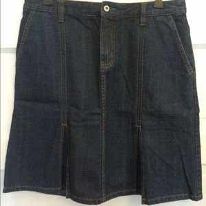 Eddie Bauer Denim Skirt Pleated Knee Length 10